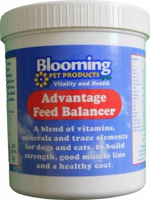 BLOOMING Advantage Feed Balancer - pełnowartościowy dodatek mineralno - witaminowy, bilansujący dietę psów i kotów 600 g